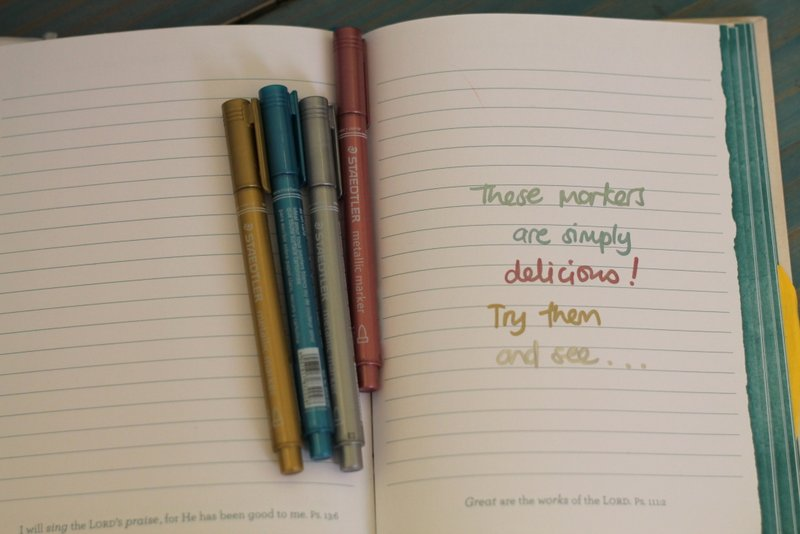 {Lovely stationery find} Metallic markers | www.organisingqueen.com