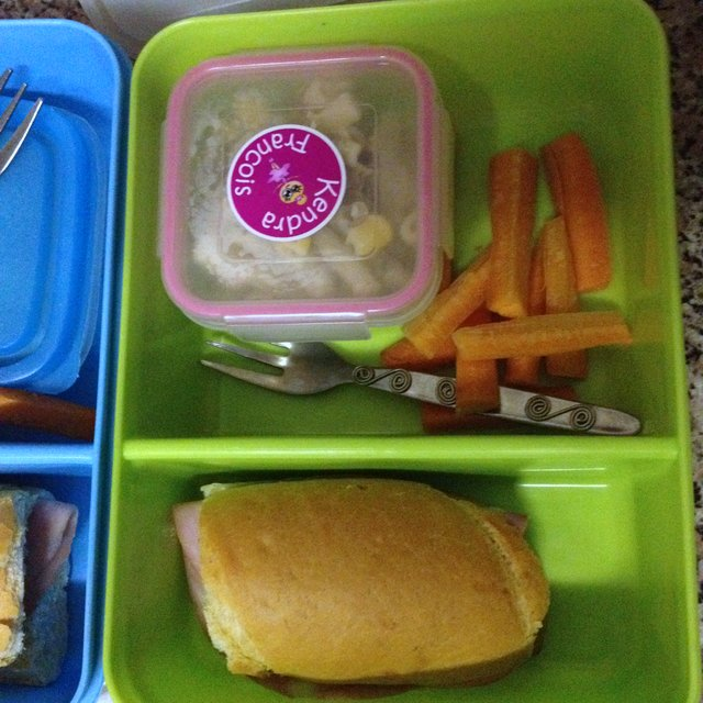 Kids' school lunches | www.OrganisingQueen.com