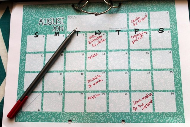 Using an editorial calendar | Organising Queen