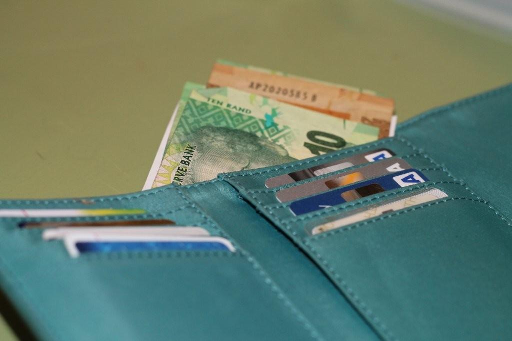 Schedule monthly payments | www.OrganisingQueen.com