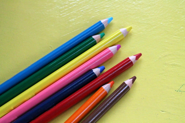Favourite stationery for kids | www.organisingqueen.com